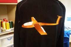 Flieger auf Jacke gestickt, Größe: 300x200 mm Preis 29,99 €